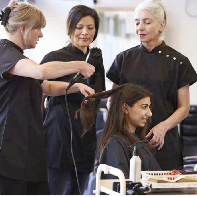 5 Reasons To Attend A Hairdressing Course
